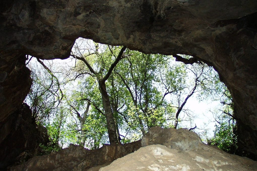 """The entrance to the """"Big Cave"""" alongside Wind Gat/Virtual Reality Cave (Photo Garfield Krige)"""